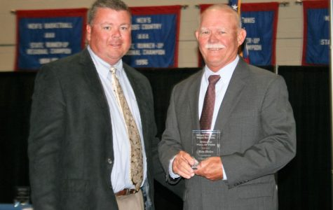 Football player Ron Hales inducted into Hall of Fame