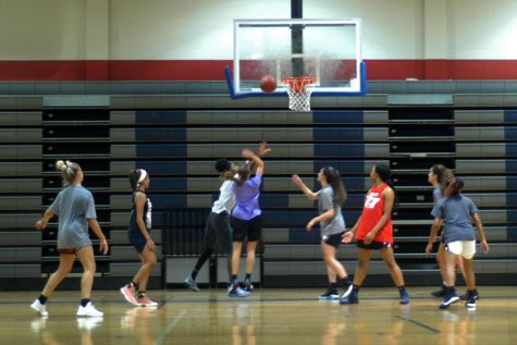 Girls' basketball aims to improve on past results