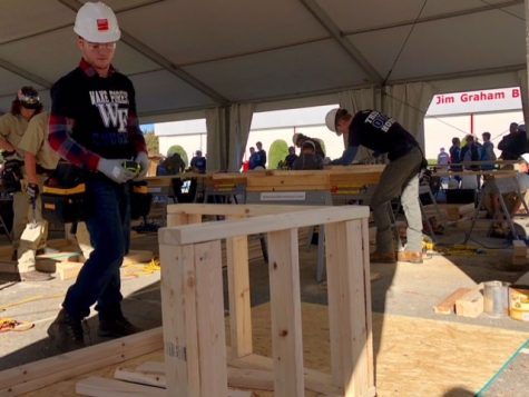 Students attend carpentry apprentice contest